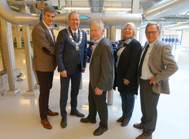 Ordførerne i eierkommunene stod for den offisielle åpningen av renseanlegget
